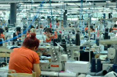 Brasileiros abrem 7 de cada 10 indústrias do Paraguai