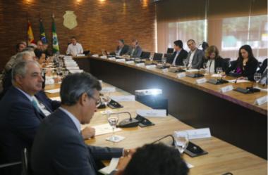 Governo do Ceará se reúne com empresários de sete multinacionais em busca de investimentos