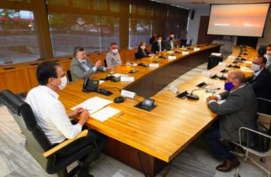 Camilo Santana assina memorando para instalação de refinaria de petróleo na Zona de Processamento de Exportação
